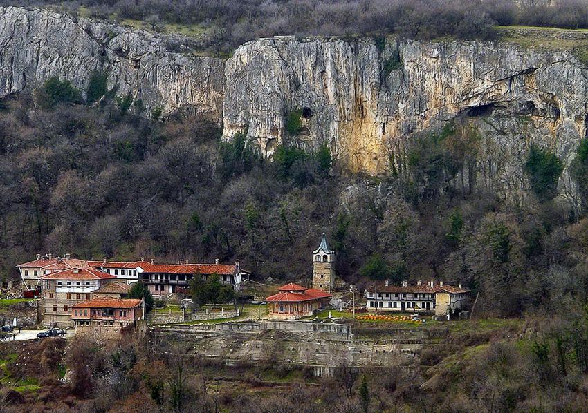 Family hotel Slavic soul-hotel in Veliko Tarnovo Transfiguration monastery